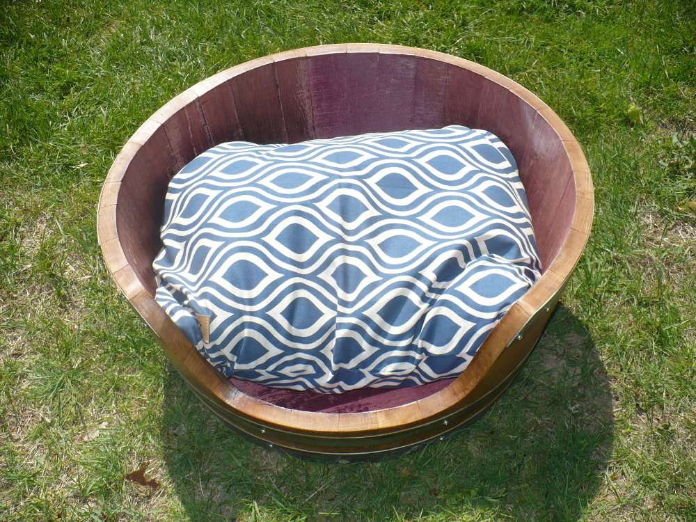 hh-dog-bed-small-2.jpg