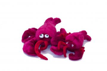 ps-plush-red-lobsters-dog-toy-1